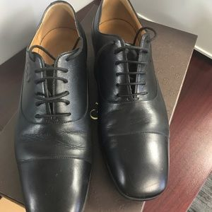 Gucci Leather oxfords shoes